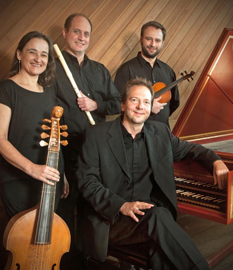 Cecília Aprigliano, Paulo da Mata, Marcelo Fagerlande (ao cravo) e Juliano Buosi