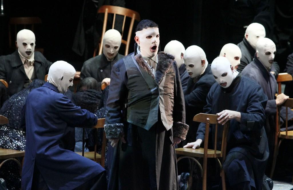 Carlos Eduardo Marcos como Arauto em Lohengrin (foto de Heloisa Ballarini)