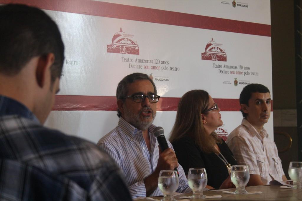 O secretA?rio de Cultura do AM, RobA�rio Braga, na coletiva de imprensa