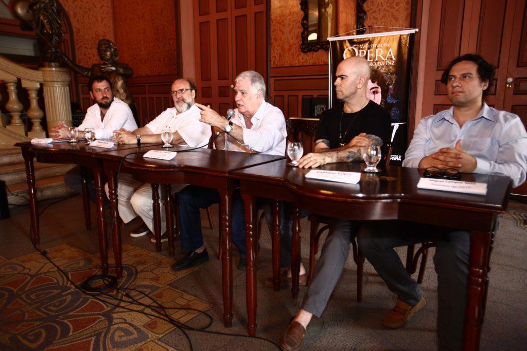 Da esquerda para a direita: Hirsch, Wrona, Chaves, Vilela e Campos Neto.